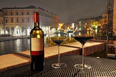 10 izreka o 'istini' zbog kojih ćete poželjeti popiti čašu vina