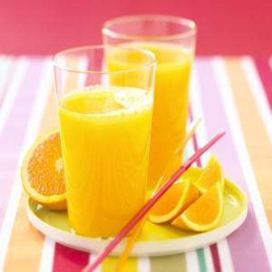 Napravite devet litara ukusnog soka od samo četiri naranče! (Foto: Stockfood)