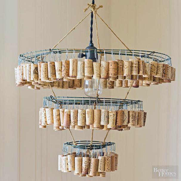 wine-crafts-cork-chandelier