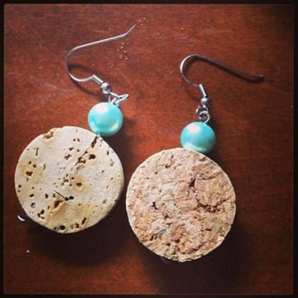 wine-crafts-cork-earings-