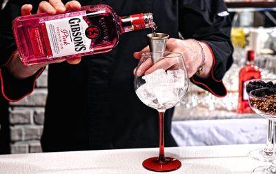 Gibson's lansirao pink gin
