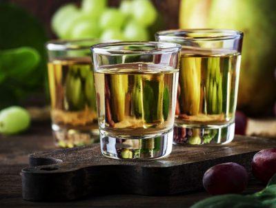 Rakija na drugom mjestu: Znate li koje žestoko piće Hrvati najviše vole?